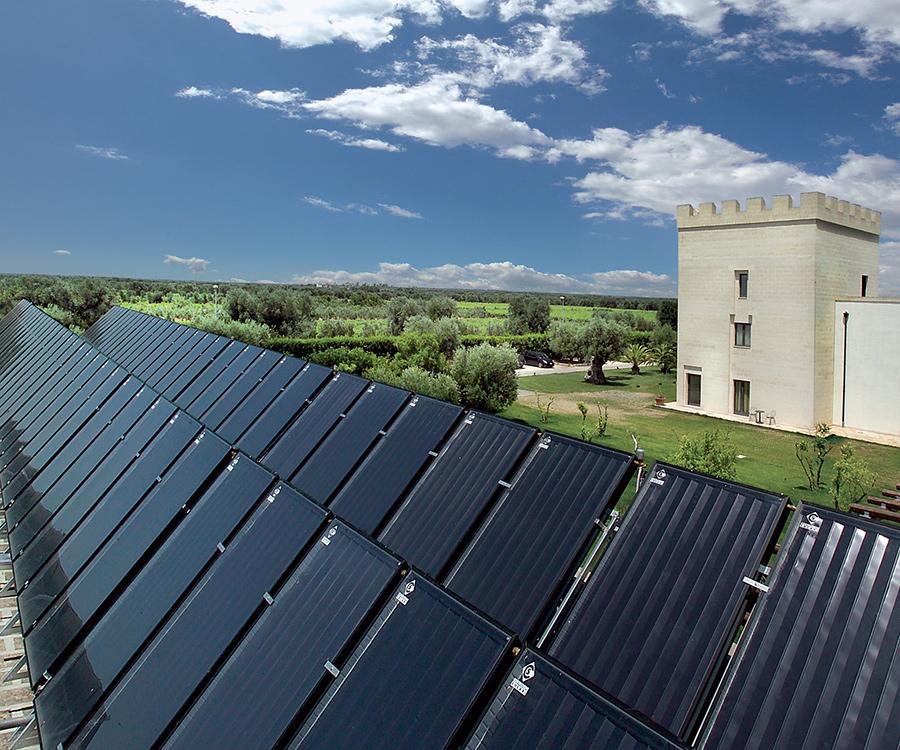 Scegliere il solare termico per le strutture ricettive vuol dire rispetto dell'ambiente, ritorni di immagine, leve di marketing, risparmio economico e benessere per il turista.